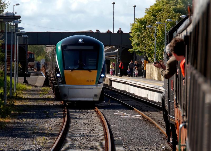 No 4 arrives at Westport, 9 May 2009 - 1658    22318 was seen at Claremorris.