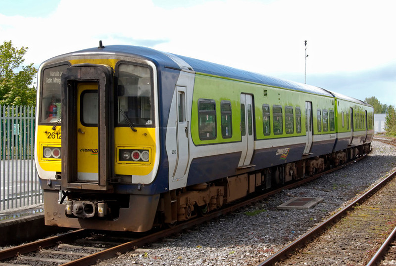 2612 & 2611, Athlone, 9 May 2009 - 1244     The destination indicator at left on this 2600 class Arrow DMU shows Manulla Junction, so the DMU may have been going there to work the Ballina shuttle after servicing at Drogheda (or vice versa).
