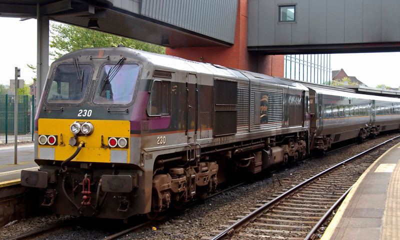 230 Abhainn na Bandan, Belfast Central, 7 May 2009 - 1146 1     Another look at the 0935 Enterprise from Dublin, due at Belfast at 1145 - 130 minutes for 114 miles with stops at Drogheda, Dundalk, Newry and Portadown.