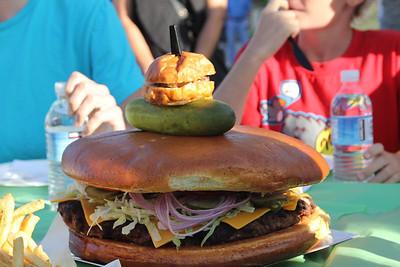 Super-Sized-8lb burger 2011-06-25