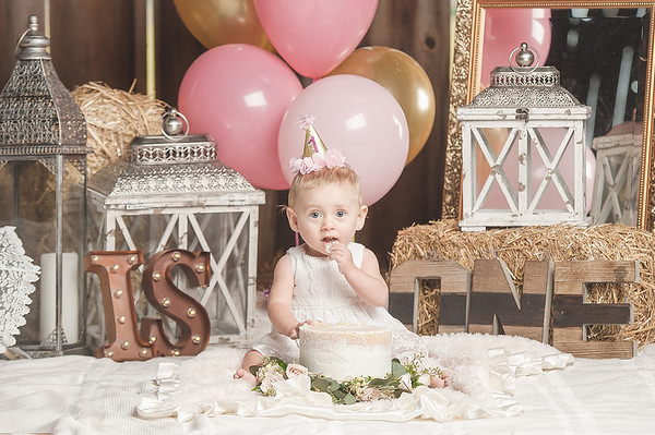Isabella's First Cake Smash