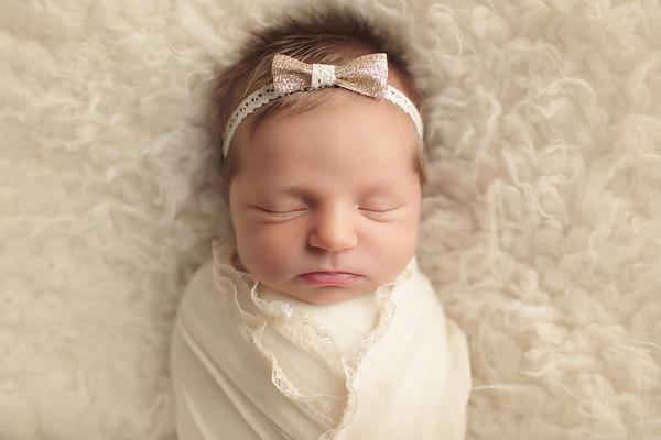 isabella elise newborn
