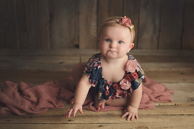 isabella's 8 month mini