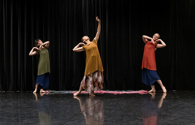 "Showing: Jennifer Sprowl - ""Duncan Dance Chicago Choreographic Offerings Creating/Crafting Through Improvisation"""