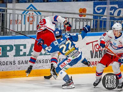 Spartas spiller Sander Thoresen i duell med Vålerengas spiller Axel Eidstedt i kampen mellom Sparta og Vålerenga.   Foto: Thomas Andersen