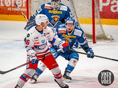 Spartas spiller Mattias Nilsson og Vålerengas spiller Tobias Lidström i kampen mellom Sparta og Vålerenga.   Foto: Thomas Andersen