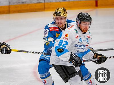 Spartas spiller Hans Kristian Jakobsson og Narviks spiller Martin Hage i kampen mellom Sparta og Narvik. Foto: Thomas Andersen
