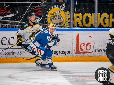 Spartas spiller Kristian Jakobsson og Stavanger spiller Tommy Kristiansen i kampen mellom Sparta og Stavanger. Foto: Thomas Andersen