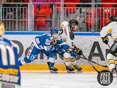 Spartas spiller Niklas Roest og Stavanger spiller Thomas Berg-Paulsen i kampen mellom Sparta og Stavanger. Foto: Thomas Andersen