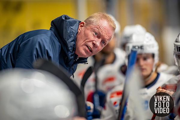 Vålerengas hovedtrener Roy Johansen i kampen mellom Sparta og Vålerenga. Foto: Thomas Andersen