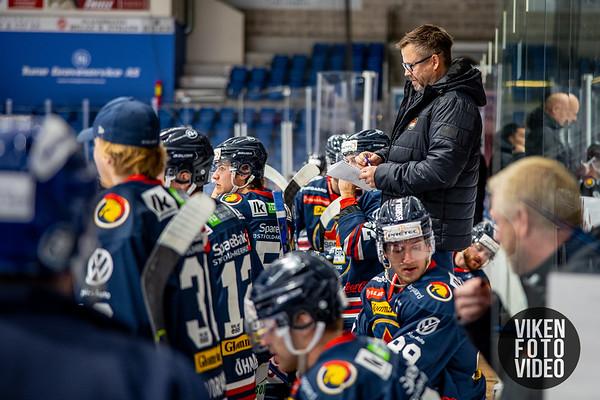 Spartas hovedtrener Sjur Robert Nilsen i kampen mellom Sparta og Vålerenga. Foto: Thomas Andersen
