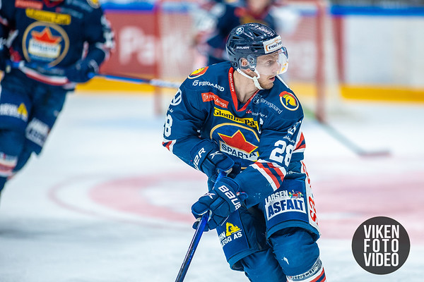 Spartas spiller Niklas Roest i kampen mellom Sparta og Lillehammer. Foto: Thomas Andersen - www.vikenfotovideo.no