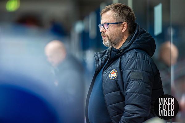 Spartas hovedtrener Sjur Robert Nilsen i kampen mellom Sparta og Lillehammer. Foto: Thomas Andersen - www.vikenfotovideo.no