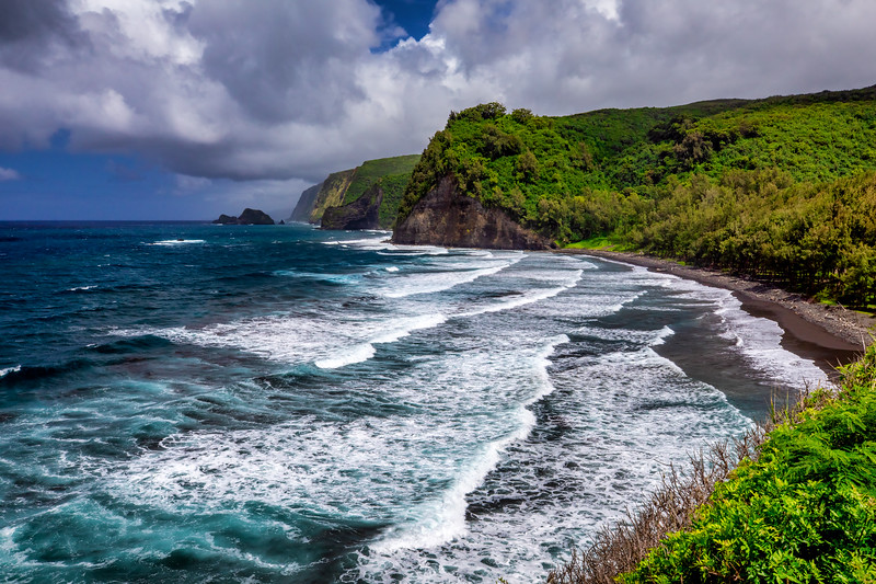 Pololu Valley Overlook  ©2019  Janelle Orth