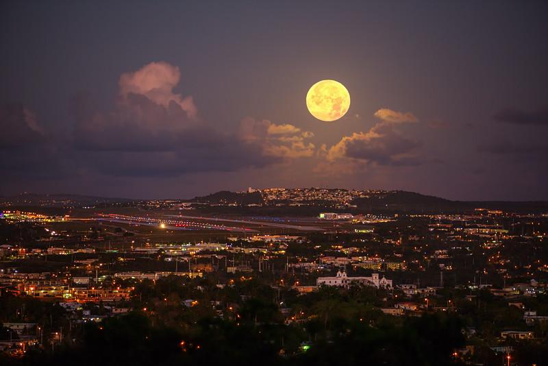 Full Moon over Tumon  ©2016  Janelle Orth