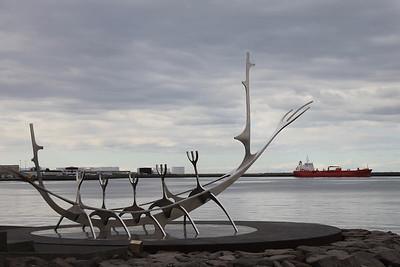 Wieloryb czy statek?