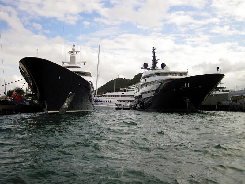 The Limitless and Bill Gates' yacht (St. Maarten)