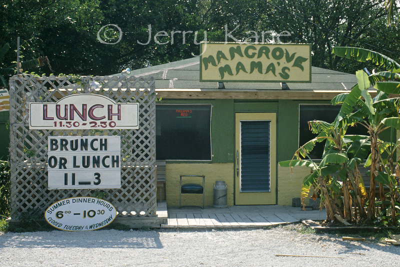 Fine dining at Mangrove Mama's in the Florida Keys