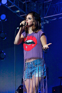 Lana Del Ray @ Isle of Wight Festival 2012