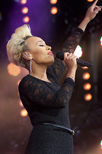 Emile Sande @ Isle of Wight Festival 2013