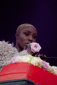 Laura Mvula @ Isle of Wight Festival 2013