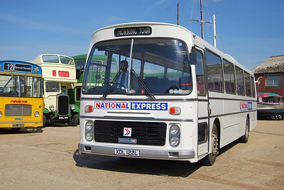 Southern Vectis RELH/ECW 302 (XDL122L), now restored to National Express livery
