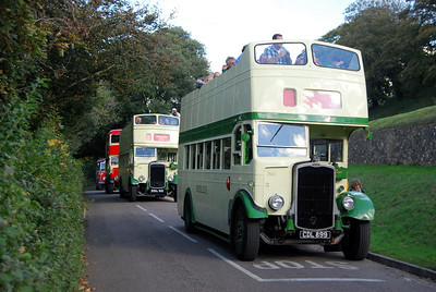 75 years of the Bristol K and L was celebrated by a KavaLKade to Carisbrooke Castle and back. K5Gs CDL899, DDL50, AJN825 and L6B EMW284 wait for the traffic lights to change (once one of only two sets of lights on the Island)