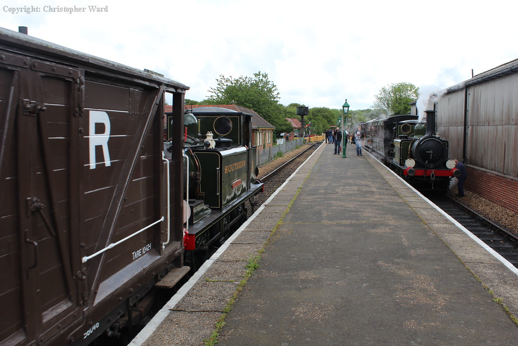 The Terriers pass each other at Havenstreet