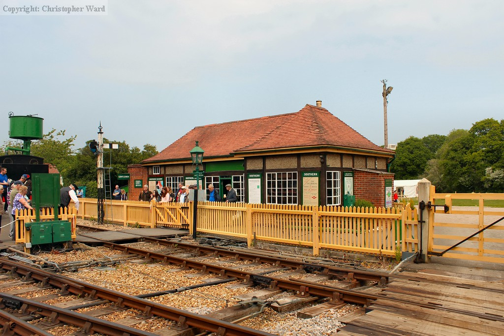 The combined ticket office, signalbox and waiting room at Havenstreet station