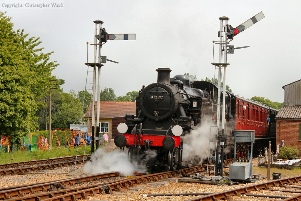 41298 pulls away with a Wootton train