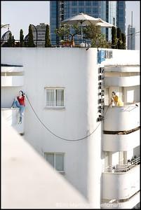 ISRAEL. TEL AVIV BAUHAUS. Les façades blanches et circulaires du square Zina Dizengoff.