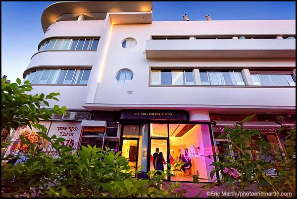 ISRAEL. TEL AVIV BAUHAUS. L HOTEL POLI HOUSE. Le Poli house occupe un bâtiment classé, restauré par Nitza Schmuk, l'architecte spécialiste du Bauhaus.