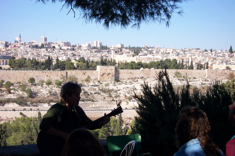 Worship on the Mount of Olives