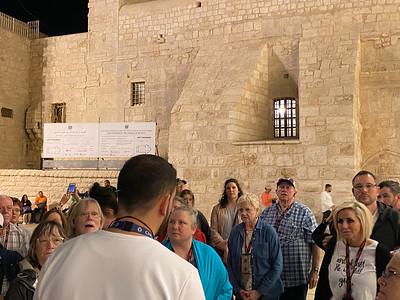 Israel-iPhone11-300