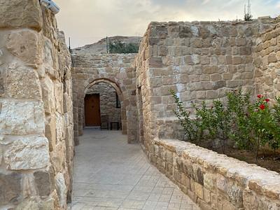 Israel-iPhone11-513