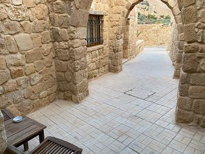 Israel-iPhone11-508
