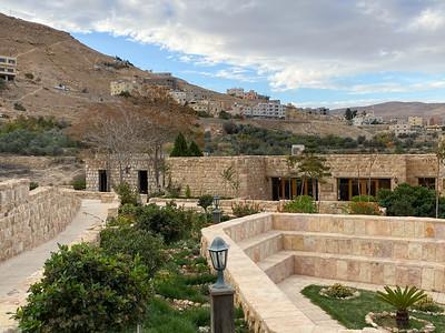 Israel-iPhone11-516