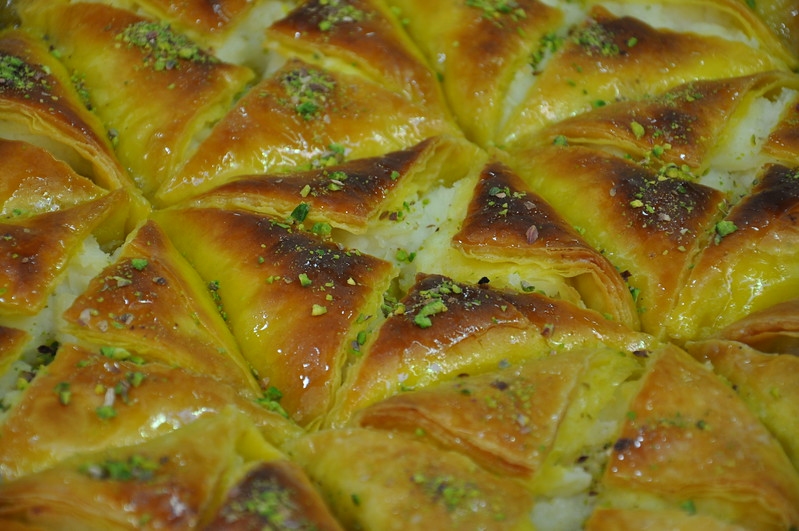 Warbat fresh from the oven in Jerusalem's Muslim Quarter. 2016.