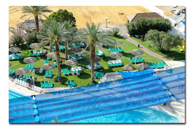Hotel Leonardo, swimming pool, day light