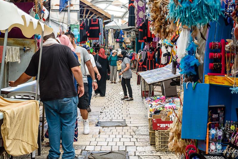 Market Vendors of Akko