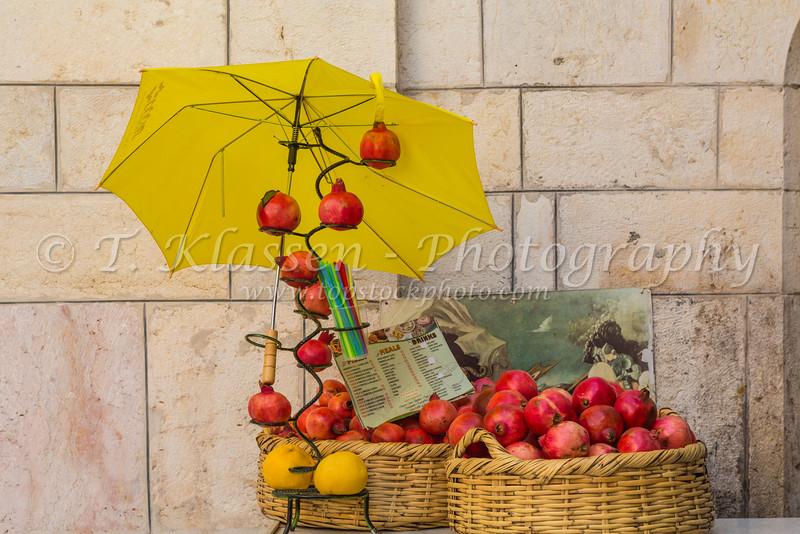 Selling pomegranite juice along the Via Dolorosa in Jerusalem, Israel, Middle East.