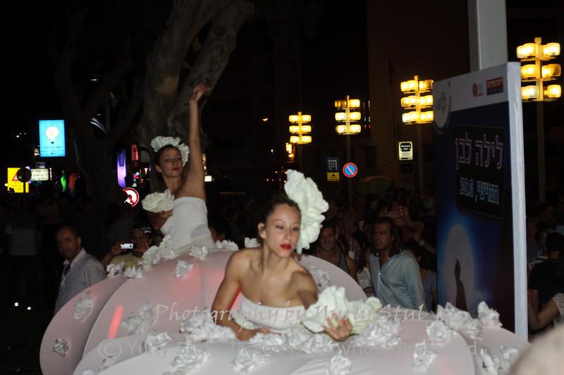 White night in Tel Aviv. Flowers's dance