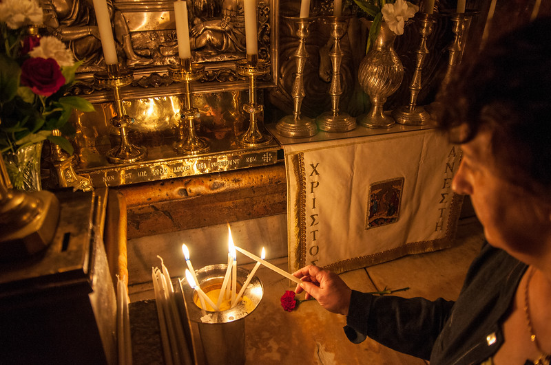 Lighting candles | Church of the Holy Sepulchre | Jerusalem | Israel