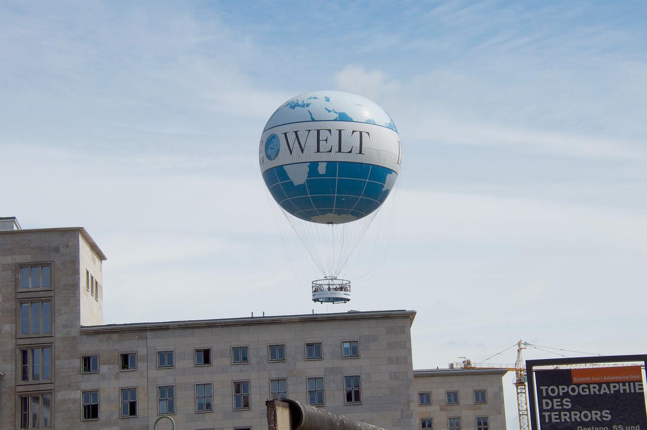 Tourist Balloon.