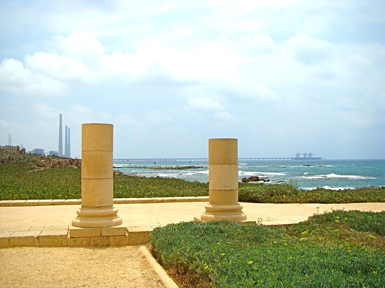 Caesarea-Roman Columns, Ort Rabin Power Plant