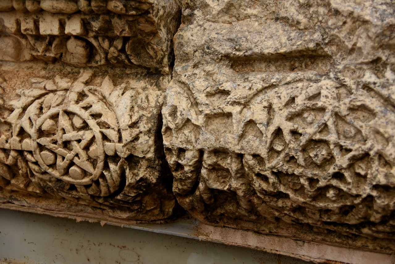 Muslim Star (left) and Star of David (right) on Synagogue Stones