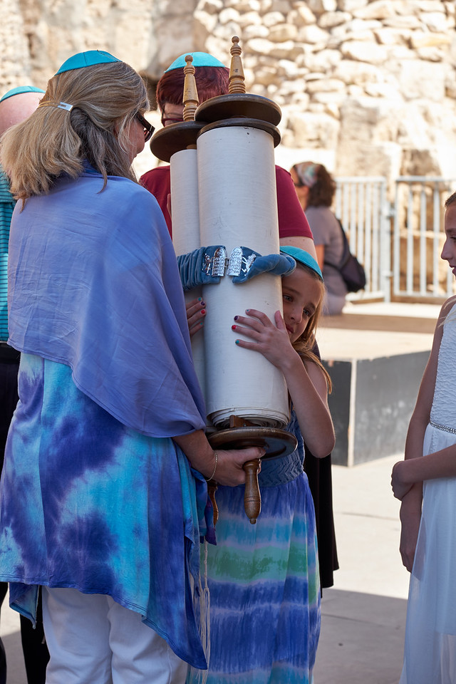 Rabbi helps Becca embrace Torah.