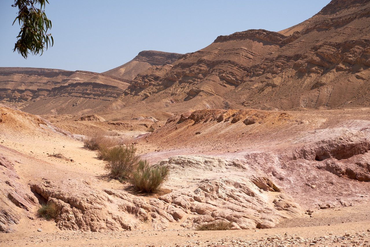 Only place in the Makhtesh Nature Reserve where public can take the colored sand.