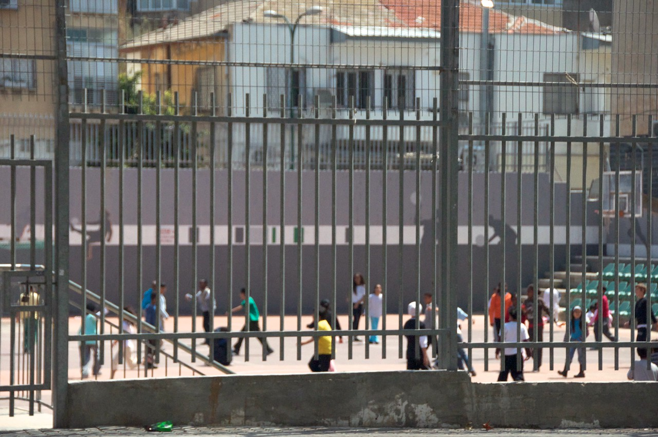 The students are children of migrant workers, political refugees, immigrants and others from low socio-economic backgrounds  The youth hail from 49 different countries and are mostly Christian, Muslim and Jewish  Many of them start school for