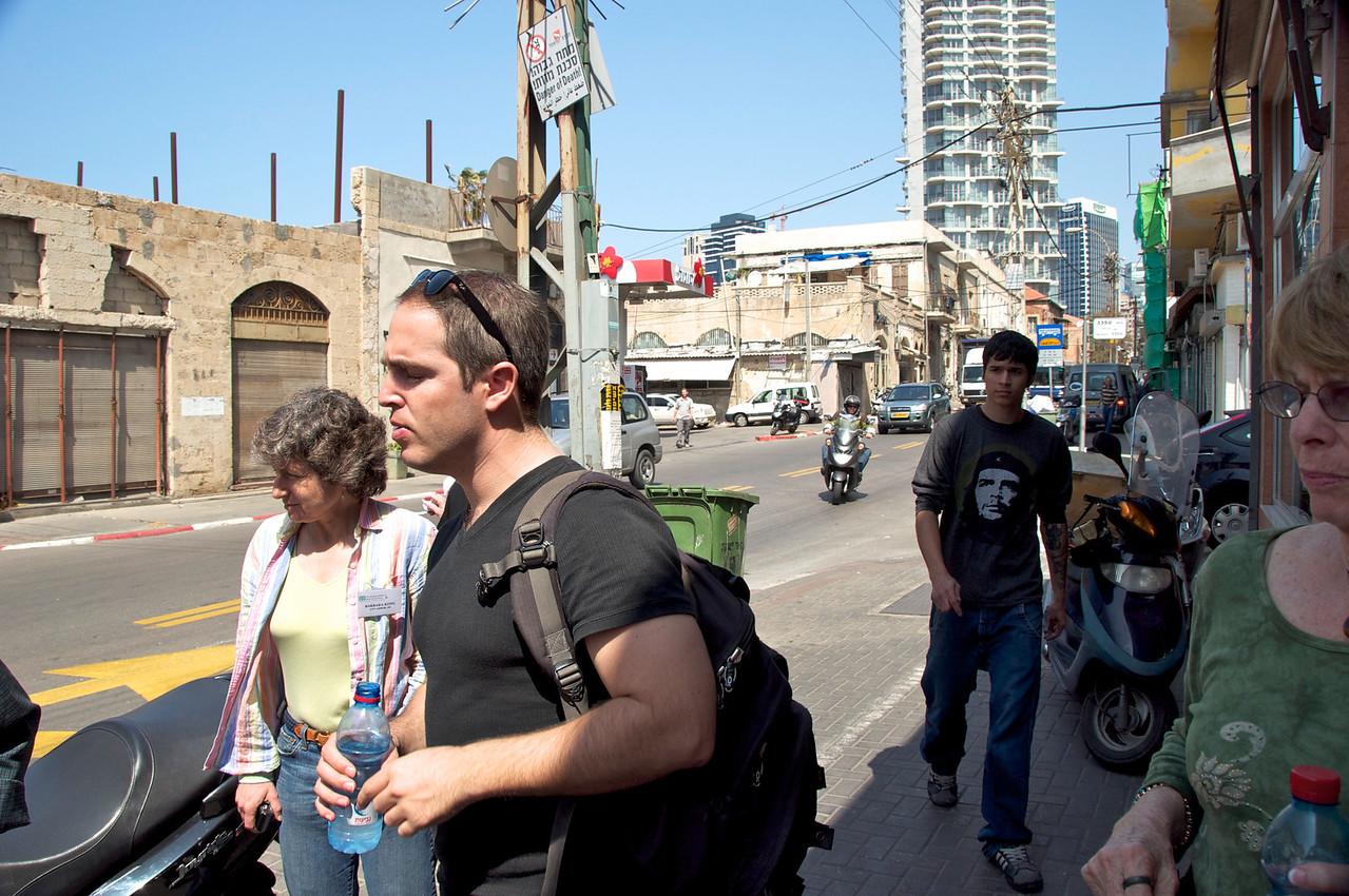 Yiftach Landau, A Local Social Activist